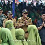 Ribuan Warga Antusias Saksikan Pawai Taaruf MTQH Ke-XLIII Yang Dihadiri Bupati dan Wakil Bupati