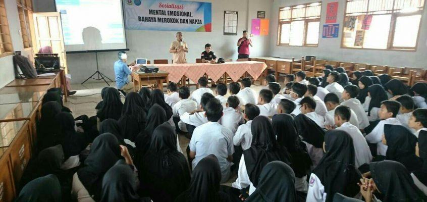 BNNK Ciamis Sosialisasikan Bahaya Narkoba ke siswa SMPN 2 Ciamis