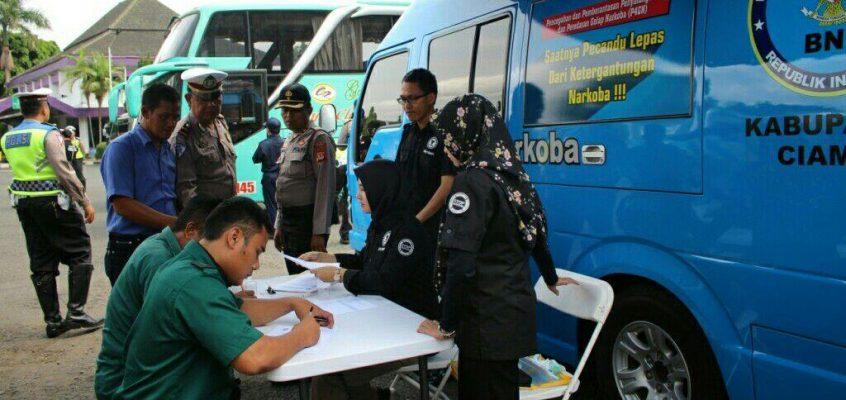 Tim Gabungan Razia Angkutan Umum di Terminal Ciamis