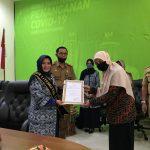 Rossy Nurhayati Raih Anugerah Aksara Apresiasi Keaksaraan dan Literasi